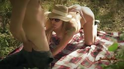Beautiful And Risky Public Sex In The Park Is What She Dreams Of